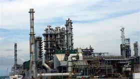 Một góc nhà máy lọc dầu Dung Quất. (Ảnh: Huy Hùng/TTXVN)