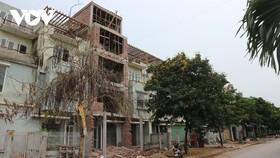 Khu đô thị Vân Canh (Hoài Đức, Hà Nội) với nhiều dãy nhà bỏ hoang bấy lâu nay.
