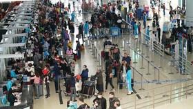 Nhiều đường bay đã thông báo hết vé, một số sân bay có nguy cơ ùn tắc.
