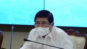 Chủ tịch TPHCM: 'Ra đường là phải đeo khẩu trang'