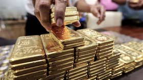 Giá vàng giao tháng Sáu tăng 1,6% lên 1.867,6 USD/ounce. (Nguồn: mining.com)