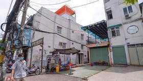 Vị trí xây dựng nhà ga metro số 2 Bến Thành - Tham Lương đoạn qua quận 3 mới chỉ giải tỏa được vài căn nhà - Ảnh: QUANG ĐỊNH