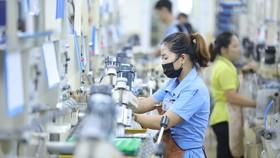 Trong 6 tháng đầu năm 2021, các doanh nghiệp trong các khu công nghiệp tỉnh Bắc Ninh tạo giá trị sản xuất gần 550.000 tỉ đồng (tăng 11% so với cùng kỳ) - Ảnh: QUANG VINH