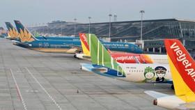 Dịch COVID-19 đã tác động nặng nề tới ngành hàng không khiến các hãng bay đứng trước nguy cơ phá sản. (Ảnh: CTV/Vietnam+)