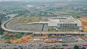 Bến xe Miền Đông mới nằm ở vị trí cửa ngõ nên thuận tiện cho việc trung chuyển, phân phối hàng hóa