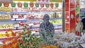 Lượng hàng hóa dồi dào tại một siêu thị ở Hà Nội. (Ảnh: Trần Việt/TTXVN)