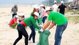 Chiến dịch làm sạch bãi biển miền Trung do Huda tổ chức năm 2019.