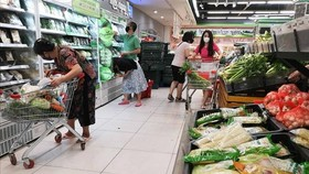 Điểm cung ứng hàng hóa tại Hà Nội. (Ảnh: Thanh Tùng/TTXVN)