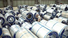 Hoạt động sản xuất công nghiệp của cả nước trong tháng Tám chịu ảnh hưởng nặng nề từ dịch COVID-19. (Ảnh: TTXVN)