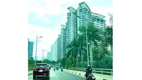 Một dự án bất động sản tại TPHCM được ngân hàng rao bán để thu hồi nợ xấu. Ảnh: PHAN LÊ