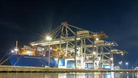 Tàu Cosco Shipping Aquarius được vận hành bởi hãng tàu OOCL kết nối Việt Nam với thị trường Bắc Mỹ đã cập Cảng quốc tế Cái Mép ngày 7-8/9. Ảnh: VGP/PT