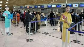 Hành khách trên chuyến bay thí điểm hộ chiếu vắc xin từ Pháp về VN cuối tháng 9.2021
