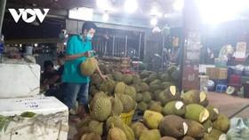 Thương nhân cũng mong chờ buôn bán bình thường tại chợ. (ảnh: Lệ Hằng/VOV-TP.HCM)