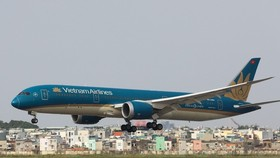 Máy bay tại sân bay Tân Sơn Nhất. Ảnh: Quỳnh Trấn.