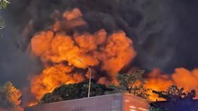 Cháy kho hàng trong KCN Sóng Thần 1, Bình Dương