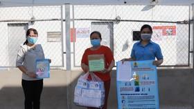 Chung tay hỗ trợ, chăm lo công nhân lao động quận Bình Tân