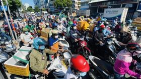 Mỗi ngày TPHCM có gần 1 triệu lượt người ra đường
