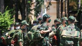 Bộ Tư lệnh TPHCM thành lập 310 tổ công tác xuất quân hỗ trợ cung cấp lương thực cho người dân