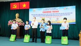 Hội Nông dân TPHCM trao 654 suất học bổng Lương Định Của cho học sinh khó khăn