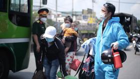 Bộ Tư lệnh TPHCM cung cấp đường dây nóng hỗ trợ người dân về quê