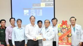 Đồng chí Nguyễn Hồ Hải thăm, chúc Tết nhiều đơn vị, cá nhân