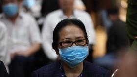 Bà Dương Thị Bạch Diệp la hét, chủ tọa cho tạm dừng phiên tòa