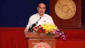 Bí thư Thành ủy TPHCM Nguyễn Thiện Nhân khẳng định, thành phố đang tập trung vận dụng tối đa chính sách giải quyết có lợi nhất cho bà con Thủ Thiêm.. Ảnh: DŨNG PHƯƠNG