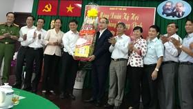 Bí thư Thành ủy TPHCM Nguyễn Thiện Nhân thăm, chúc tết Đảng bộ quận Thủ Đức. Ảnh: KIỀU PHONG