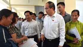 Cử tri huyện Nhà Bè nêu bức xúc về nhà, đất với Bí thư Thành ủy TPHCM Nguyễn Thiện Nhân