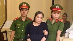 Nguyên cán bộ chuyên trách giảm nghèo, tăng hộ khá UBND phường 11, quận 6 Quách Vân Loan bị tuyên 20 năm tù về tội tham ô tài sản