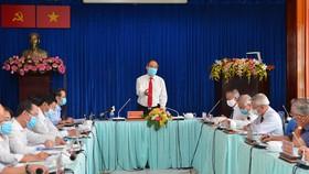 Bí thư Thành uỷ TPHCM Nguyễn Thiện Nhân phát biểu trong buổi làm việc với Huyện Nhà Bè. Ảnh: VIỆT DŨNG