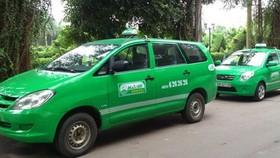 Các hoạt động xe đò, xe buýt và taxi vẫn tạm dừng hoạt động tại TPHCM, ngoại trừ 200 xe taxi Mai Linh hoạt động tại các bệnh viện phục vụ miễn phí bệnh nhân