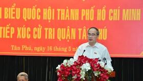 Bí thư Thành ủy TPHCM Nguyễn Thiện Nhân kiểm tra thực tế vi phạm xây dựng tại Bình Chánh