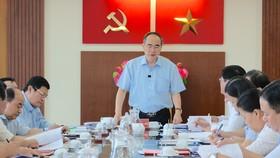 Bí thư Thành ủy TPHCM Nguyễn Thiện Nhân phát biểu tại buổi làm việc. Ảnh: KIỀU PHONG