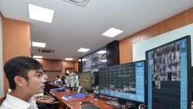 """""""Mắt thần"""" camera giám sát an ninh trật tự giăng khắp trung tâm TPHCM"""