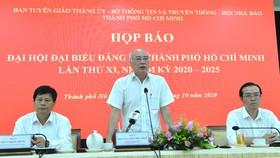 Trưởng Ban Tuyên giáo Thành ủy TPHCM Phan Nguyễn Như Khuê phát biểu tại cuộc họp báo, chiều 12-10-2020. Ảnh: VIỆT DŨNG