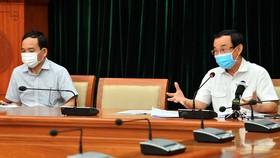 Đồng chí Nguyễn Văn Nên, Ủy viên Bộ Chính trị, Bí thư Thành ủy TPHCM phát biểu chỉ đạo tại cuộc họp. Ảnh: VIỆT DŨNG