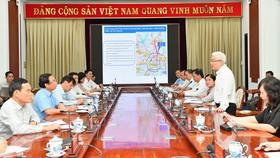 Buổi làm việc giữa Thường trực Thành ủy TPHCM với Thường trực Tỉnh ủy Bình Phước. Ảnh: VIỆT DŨNG