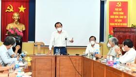 Bí thư Thành ủy TPHCM Nguyễn Văn Nên phát biểu trong buổi gặp gỡ với các chuyên gia dịch tễ về công tác phòng chống dịch Covid-19. Ảnh:VIỆT DŨNG