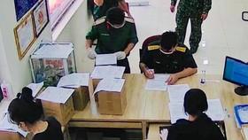 Bộ Tư lệnh TPHCM nhận, giao tro cốt cho người mất vì Covid-19