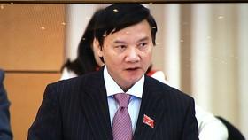 Chủ nhiệm Ủy ban Pháp luật Nguyễn Khắc Định phát biểu tại phiên họp