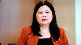 ĐB Trần Thị Dung phát biểu tại phiên họp
