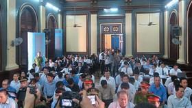Phiên tòa sơ thẩm xét xử vụ sai phạm xảy ra tại Ngân hàng TMCP Xây dựng Việt Nam. Ảnh:T.L