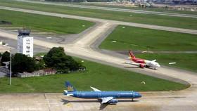 Hai đường băng của cảng hàng không Tân Sơn Nhất hiện nay (ảnh minh hoạ)