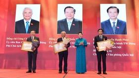 Chủ tịch Quốc hội Nguyễn Thị Kim Ngân tham dự Lễ trao Huân chương Lao động cho lãnh đạo Quốc hội