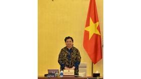 Phó Chủ tịch Quốc hội Tòng Thị Phóng điều hành phiên họp. Ảnh: VIẾT CHUNG