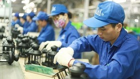 Dự báo của tổ chức quốc tế và chỉ tiêu tăng trưởng chỉ đạt được trong kịch bản cao