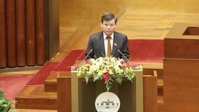 Viện trưởng VKSND tối cao Lê Minh Trí vừa trình bày Báo cáo về công tác của VKSND trong nhiệm kỳ Quốc hội khóa XIV. Ảnh: QUANG PHÚC