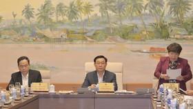 Chủ tịch Quốc hội Vương Đình Huệ làm việc với Uỷ ban Về các vấn đề xã hội