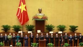 Ủy ban Thường vụ Quốc hội khóa XV ra mắt Quốc hội. Ảnh: QUANG PHÚC